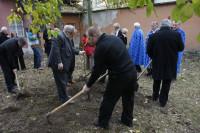 Alapítás, diófa ültetés 2009.11.14. (42)